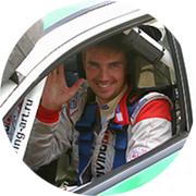 Виталий — частный инструктор по вождению