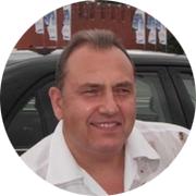 Владимир — частный инструктор по вождению
