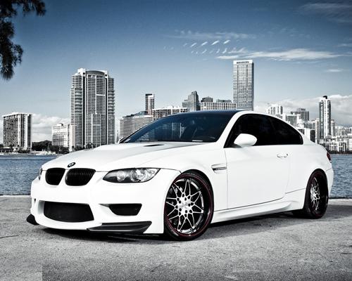 Автомобили белого цвета оказались самыми выгодными