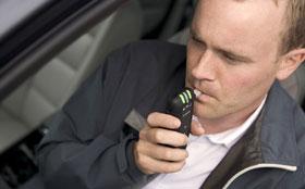 Госдума повесит на автомобили «антиалкогольные замки»