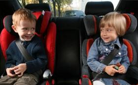 ГИБДД предлагает увеличить штраф за перевозку детей без автокресел